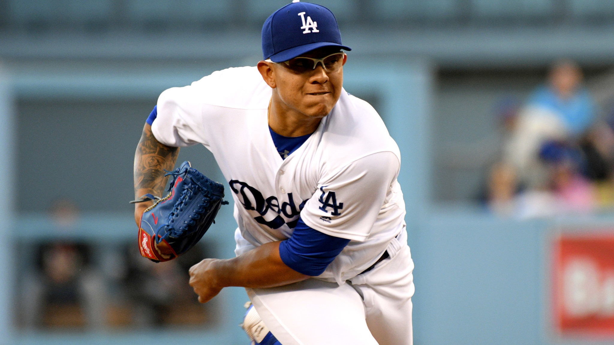 La-sp-dodgers-urias-smoltz-20170624