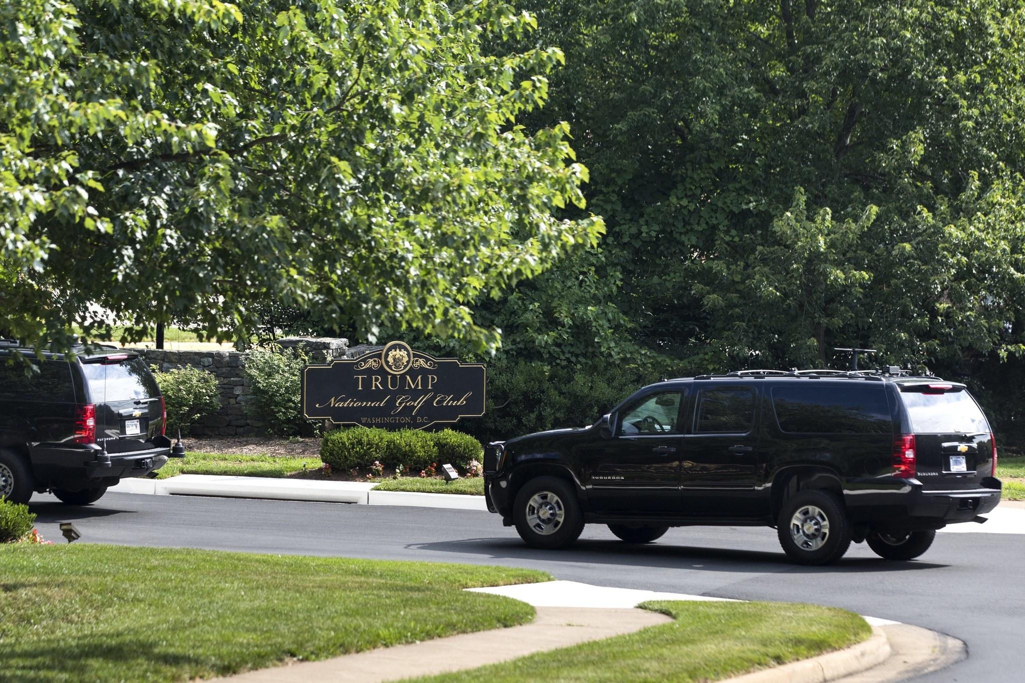 President Trump's motorcade arrives at the Trump National Golf Club in Sterling, Va., on June 25, 2017. (Jim Lo Scalzo / European Pressphoto Agency)