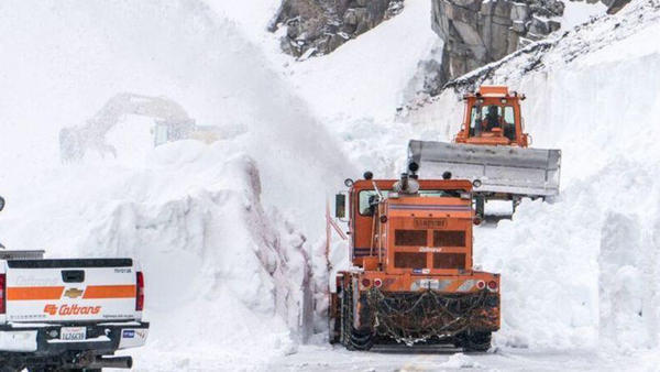 Tioga Pass, the busy back door to Yosemite, is finally cleared and opens to vehicles Thursday