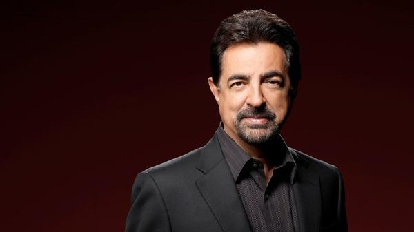 Joe Mantegna on directing theater and the importance of Lenny Bruce