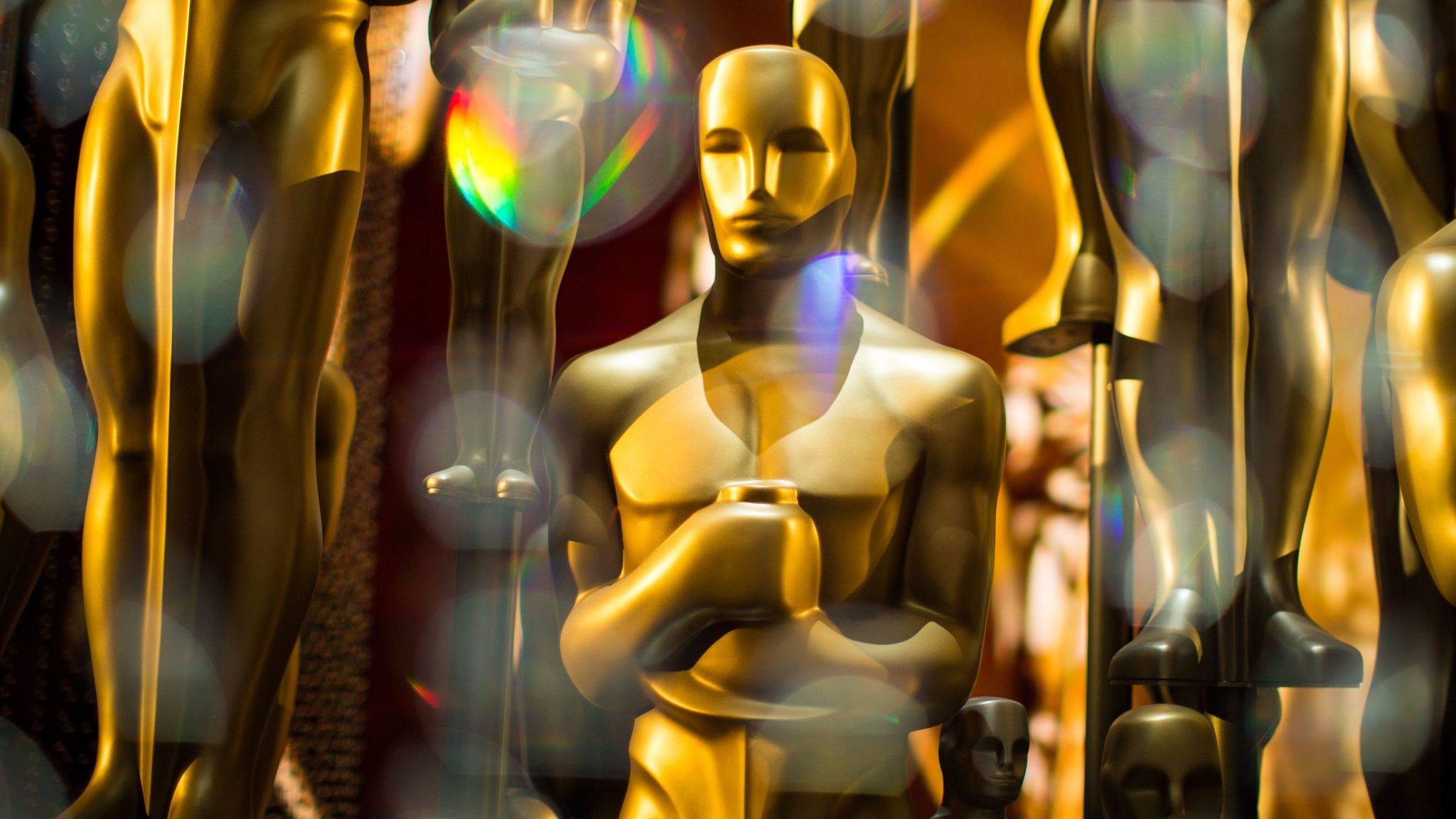 Oscar statues backstage at the 88th Academy Awards in 2016. (Christopher Polk / Getty Images)