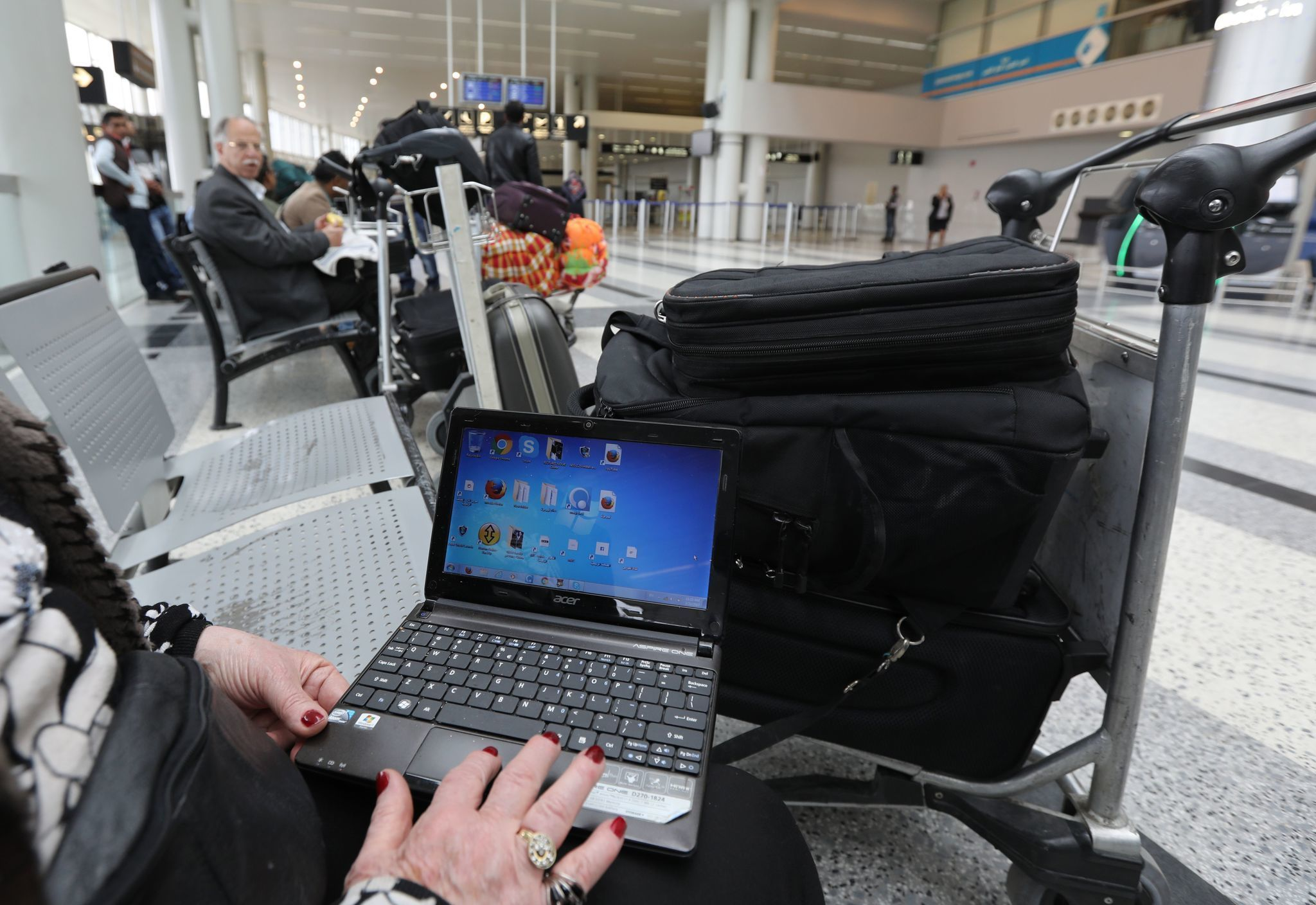 Ct-laptop-bans-passenger-screening-chanes-20170628