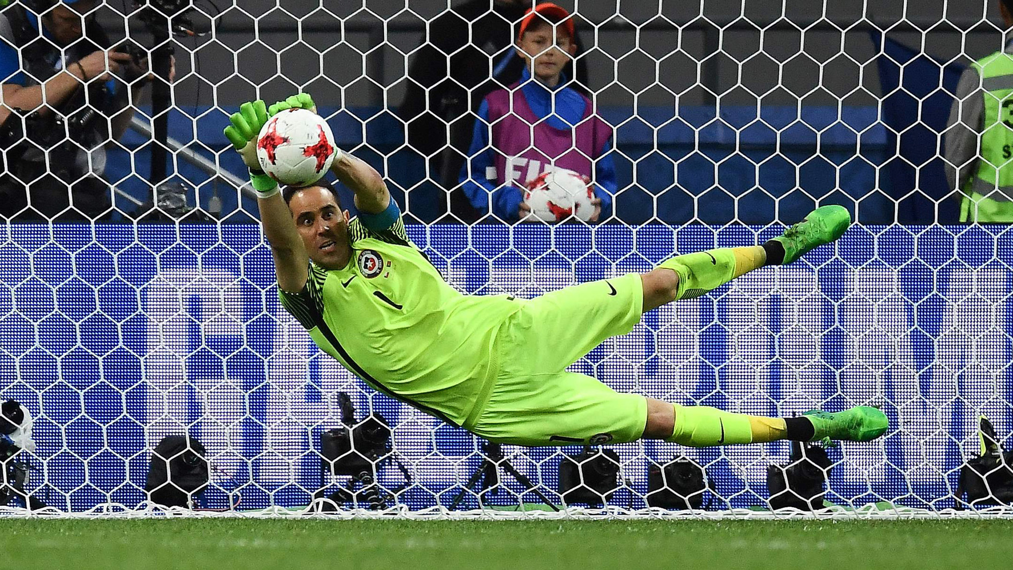 Confederations Cup Claudio Bravo helps save Chile in shootout
