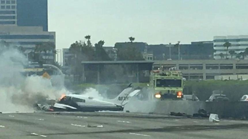 small plane crashes onto the 405 freeway in irvine la times