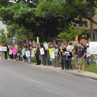 Oak Park sticks with county minimum wage rule hours before it takes effect, declines opt-out vote