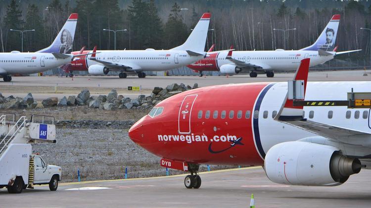 http://www.trbimg.com/img-595ac48d/turbine/ct-ct-biz-airline-20170703/750/750x422