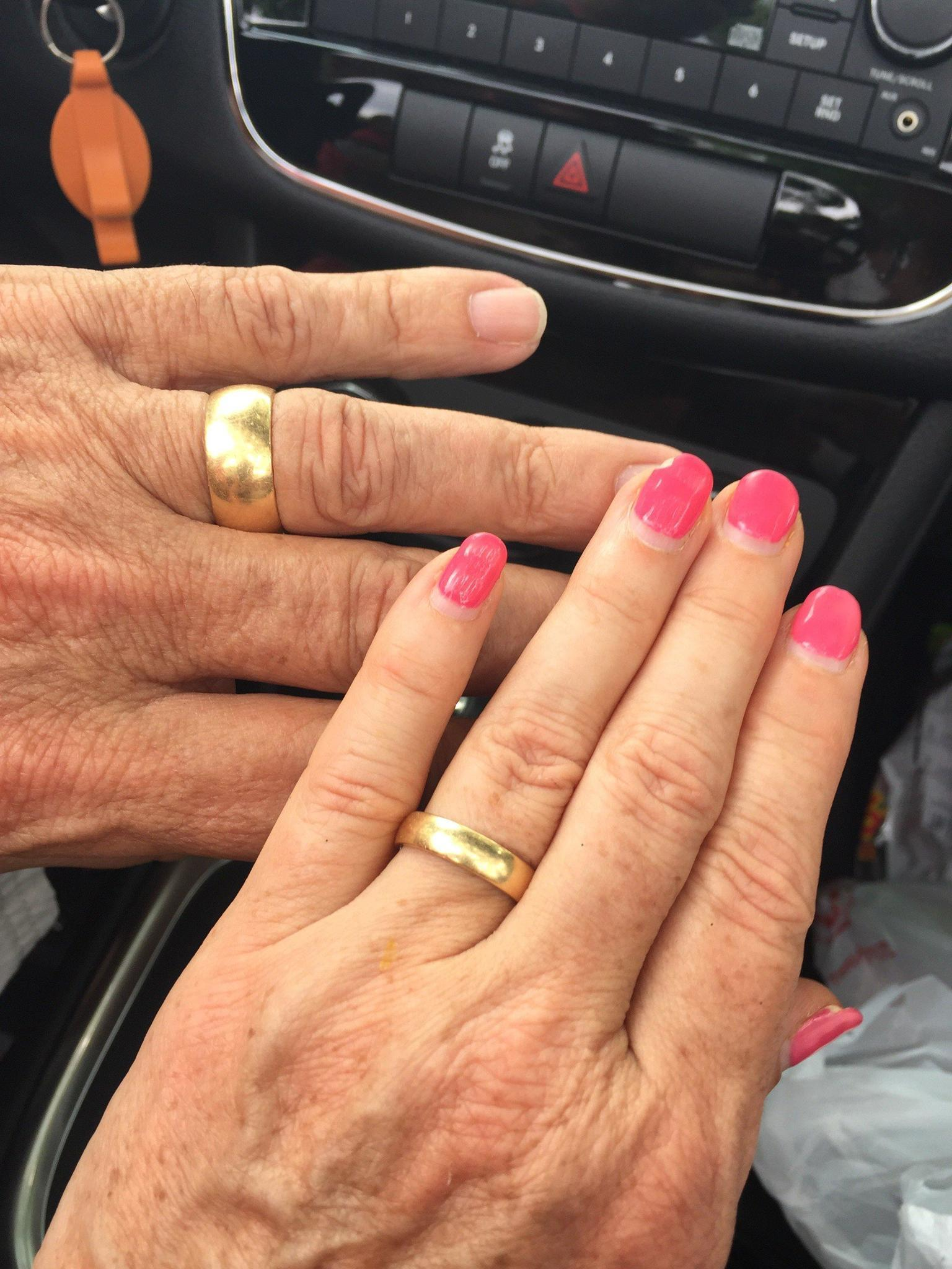 Naperville councilwoman turns to Facebook to find lost wedding ring ...