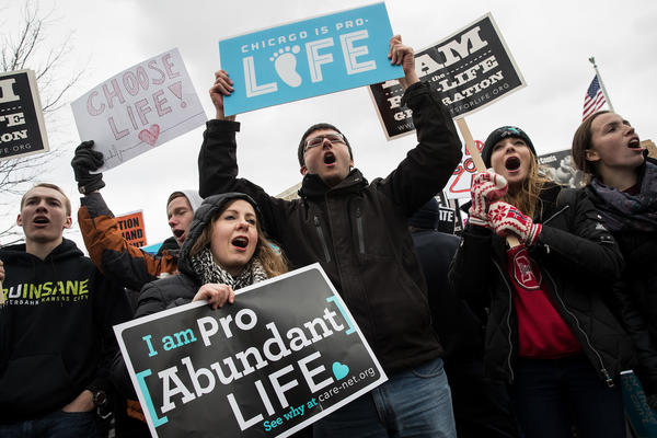 Antiabortion advocates rally outside the Supreme Court during the March for Life on Jan. 27, 2017. (Drew Angerer / Getty Images)