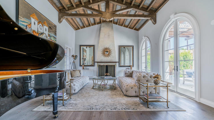 Hot Property | Wallace Neff-designed home