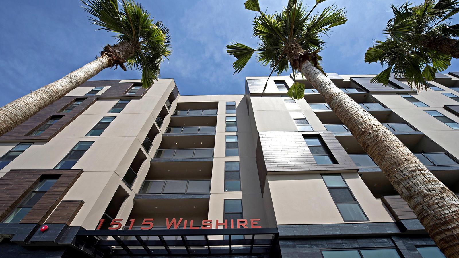 The Wilshire Valencia apartment complex at 1515 Wilshire Blvd. in Los Angeles. (Gary Leonard / Astani Enterprises)