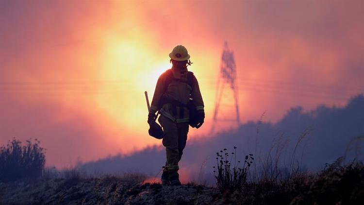 Alza de calor en oeste del país amenaza con nuevos incendios en fin de semana