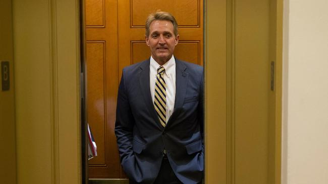Trump team reaching out to potential Flake challengers