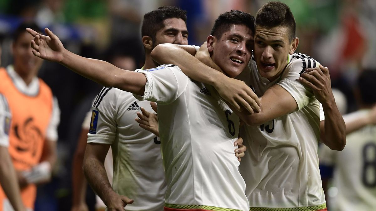 Mexico beats Curacao to win CONCACAF Group C