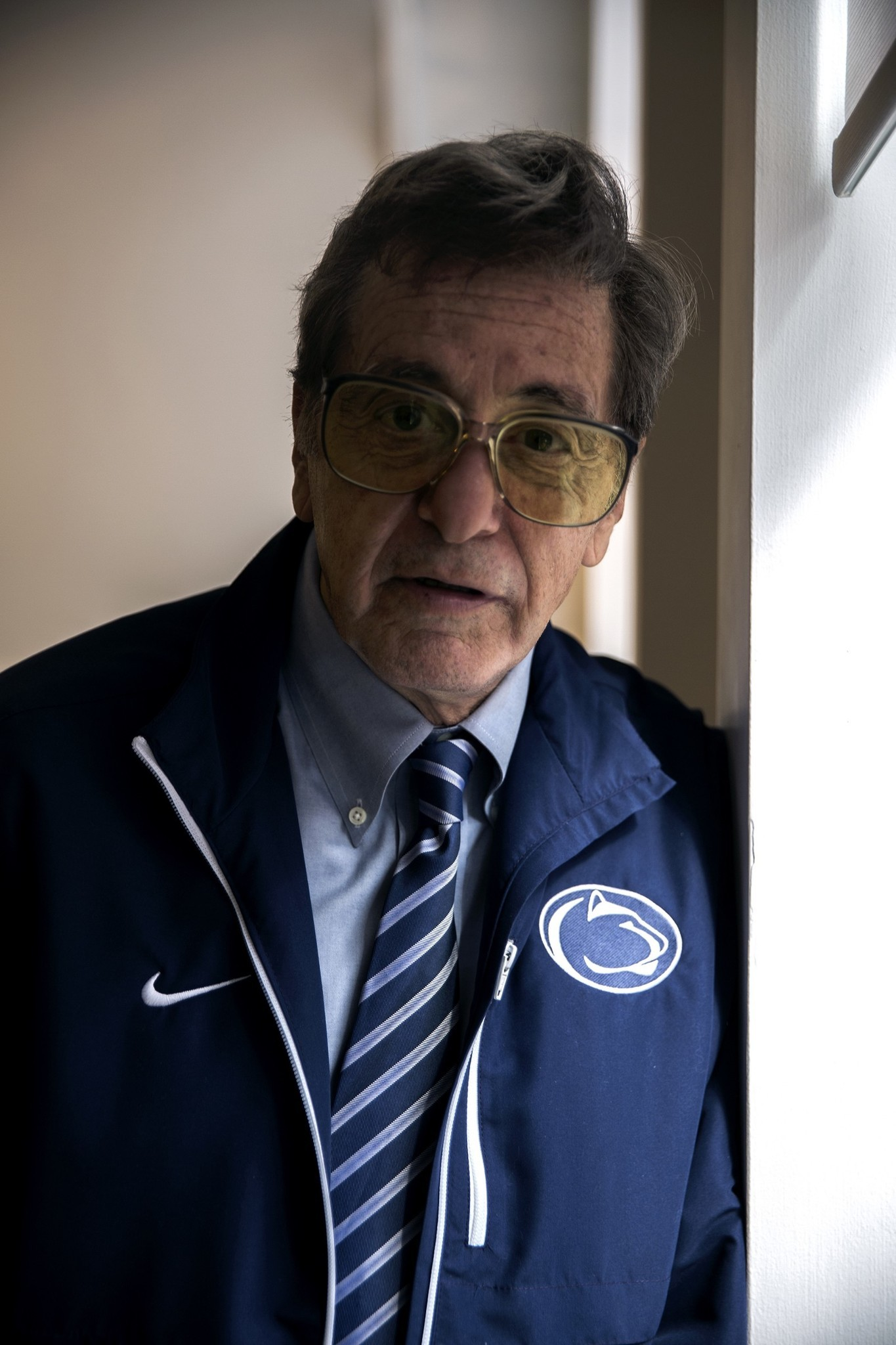 Mc-hbo-releases-photo-of-al-pacino-as-joe-paterno-20170717