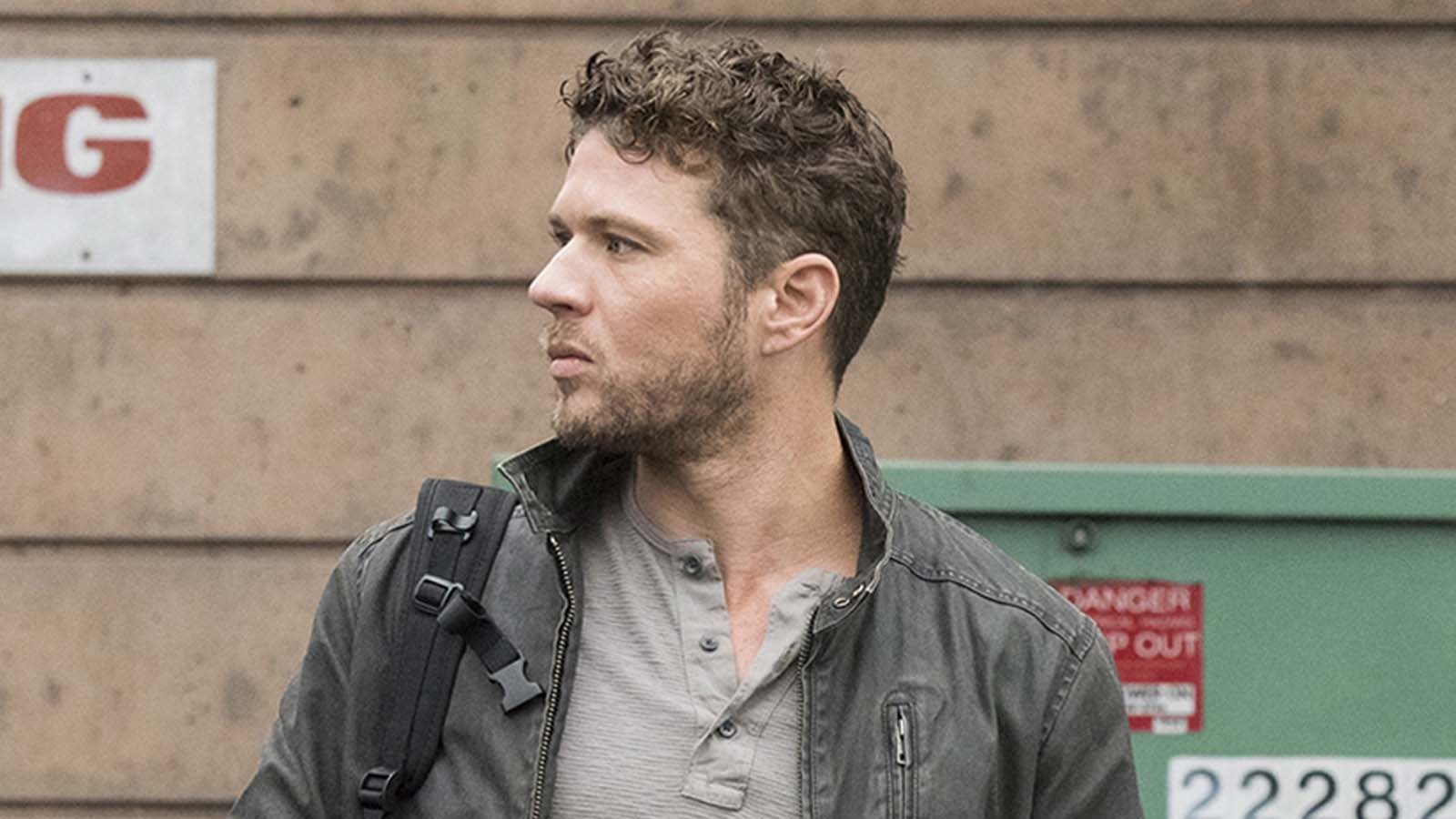 Ryan Phillippe hospitalized after breaking leg in