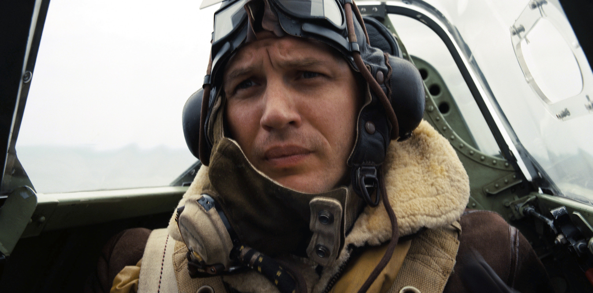 Dunkirk Review By Land By Sea And Especially By Air Chicago Tribune