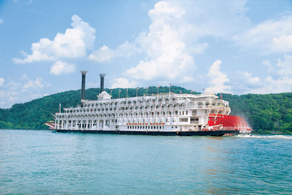 Go rolling on the Mississippi River this Christmas on the American Queen