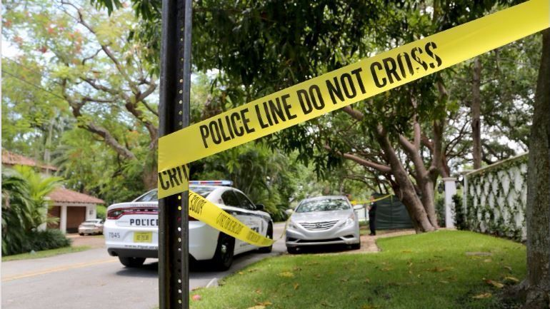man 68 found killed in exclusive fort lauderdale neighborhood  police continue to investigate homicide   sun sentinel man 68 found killed in exclusive fort lauderdale neighborhood      rh   sun sentinel
