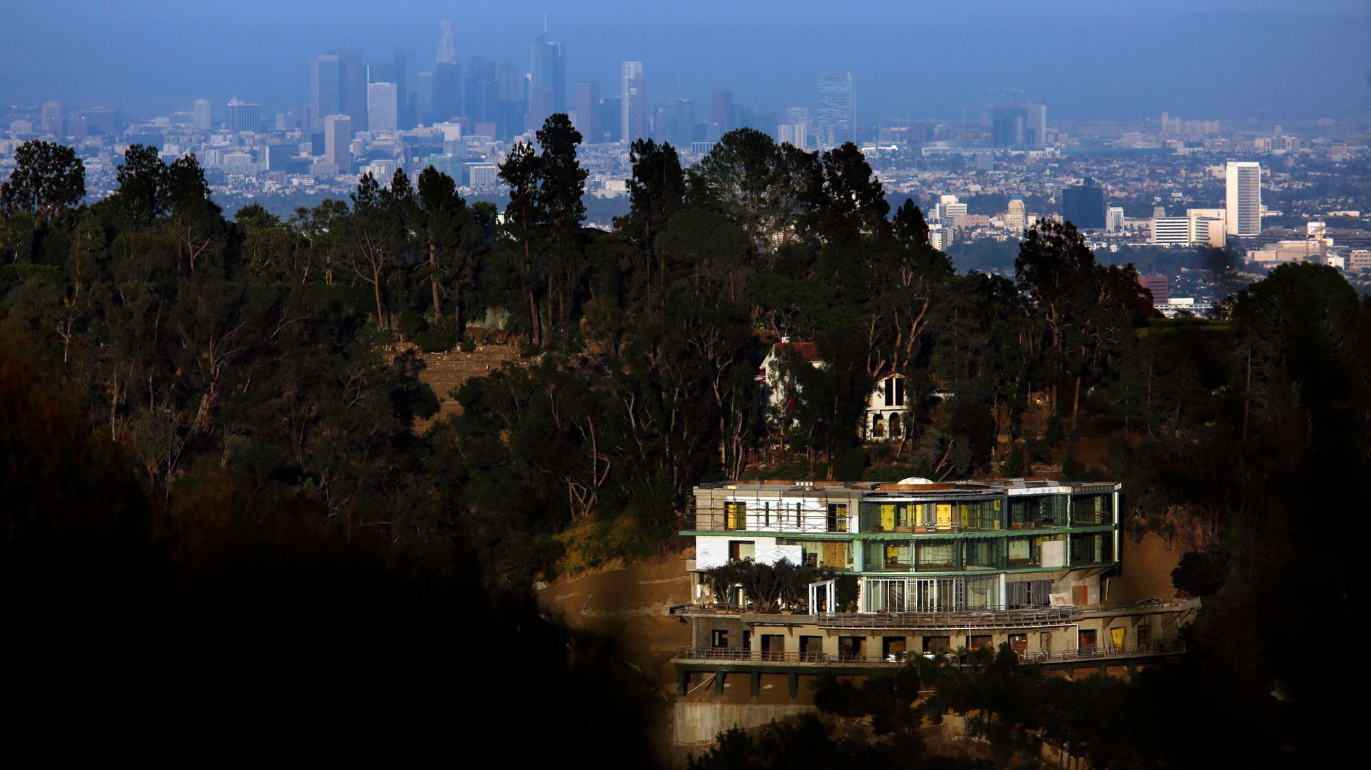 Home to have angered locals is a 30 000 square foot creation of hadid - Bel Air Mega Mansion Developer Mohamed Hadid Sentenced With Community Service Fines La Times