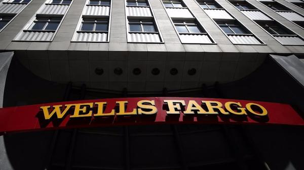 U.S. orders Wells Fargo to reinstate whistle-blower and pay $577,500 in compensation
