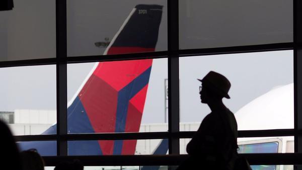 Delta Air Lines tries letting passengers use fingerprints as boarding passes