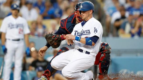 Chris Taylor drives in three runs to help Dodgers end two-game slide