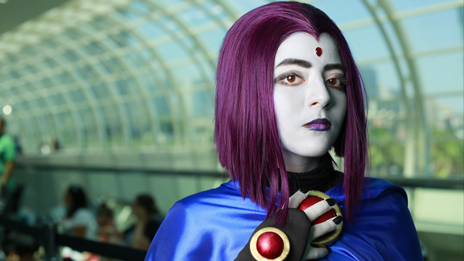 Alina Bartolini of Tijuana is  Raven at Comic-Con in San Diego on Saturday. (K.C. Alfred / San Diego Union-Tribune)