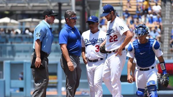 Dodgers' Clayton Kershaw leaves game in second inning with tightness in his back
