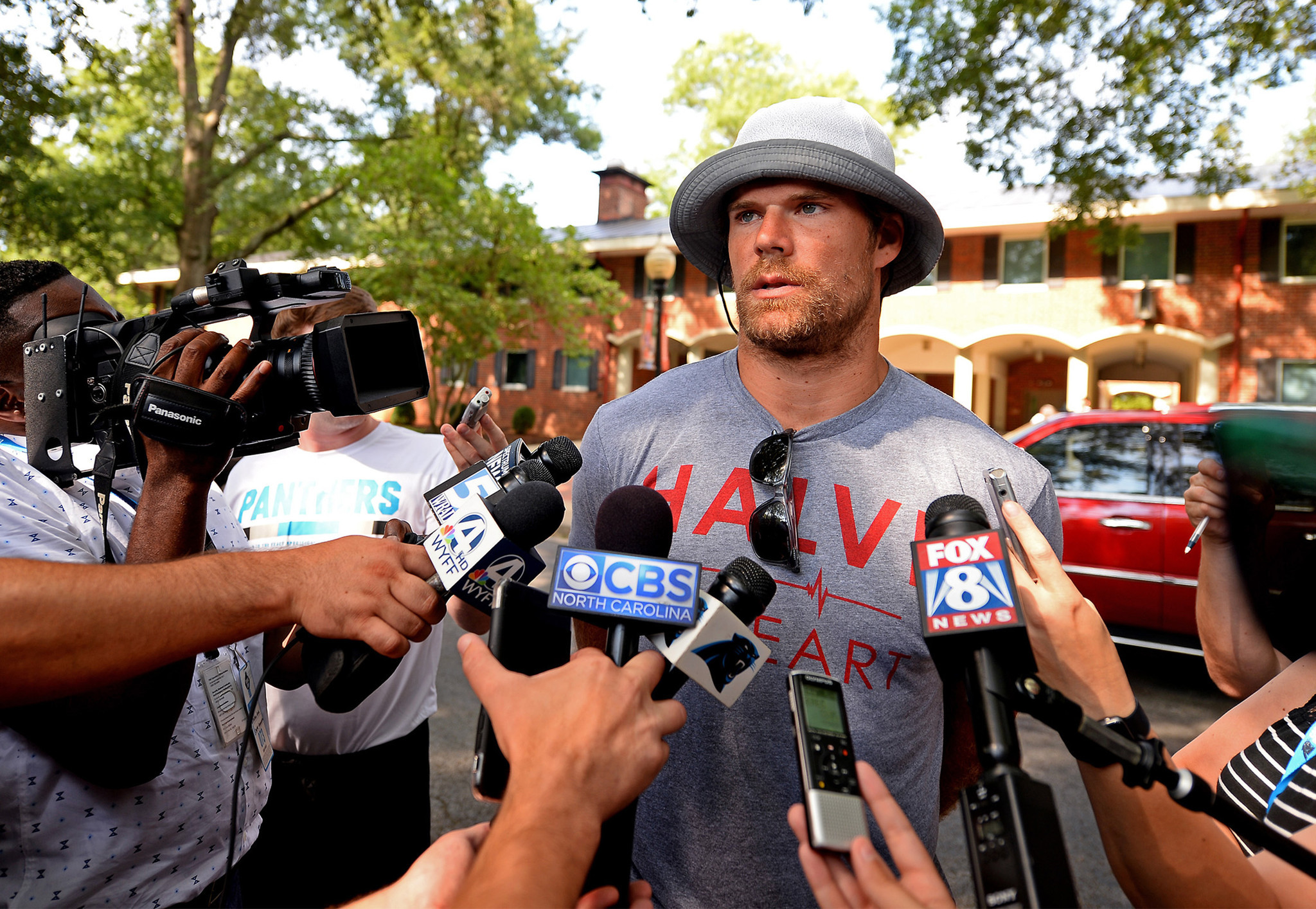 Ct-greg-olsen-reports-panthers-training-camp-20170725