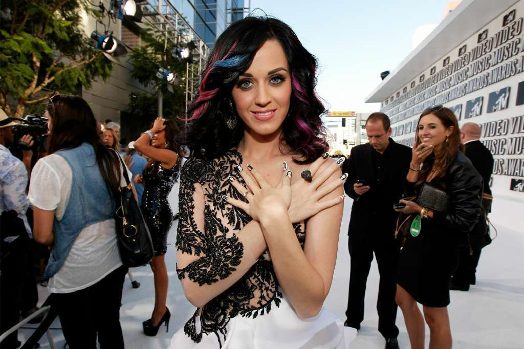 Katy Perry arrives at the 2010 MTV Video Music Awards. (Chris Polk / Getty Images)