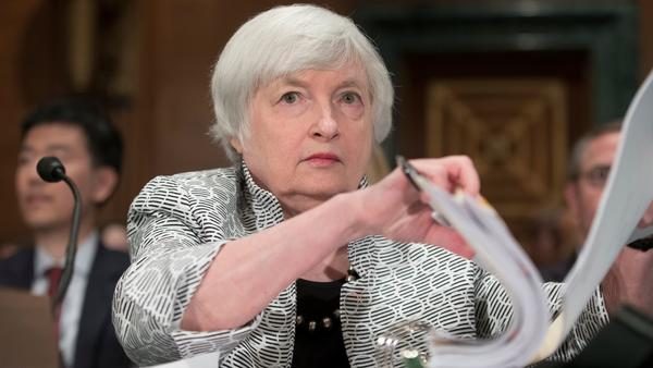 Fed leaves key interest rate unchanged amid concerns about low inflation