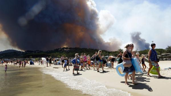'This seems endless.' Fires force evacuation of 12,000 in 3 French Riviera towns