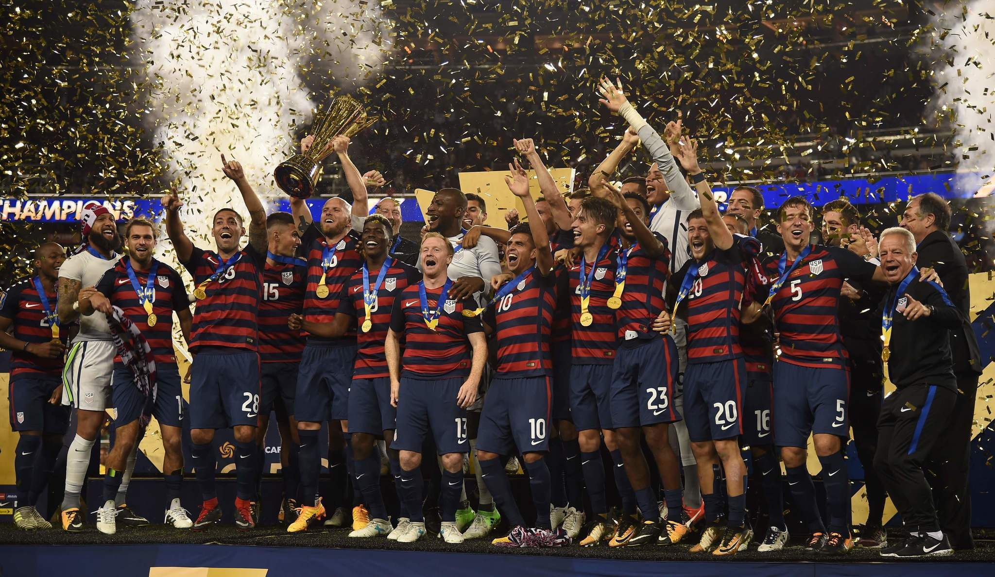 Ct-hoy-morris-s-88th-minute-goal-gives-us-gold-cup-title-20170726