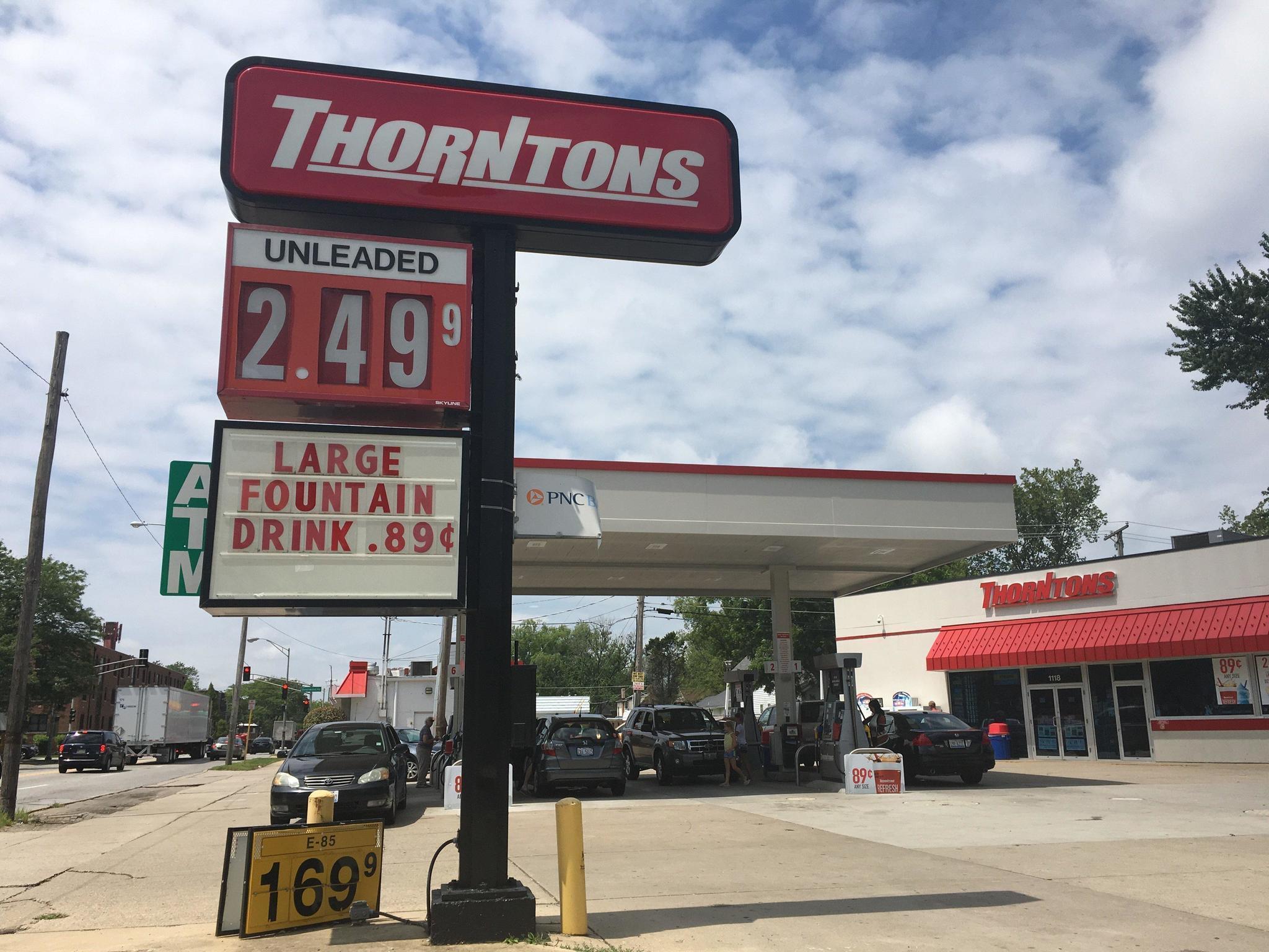 Gas station seeks loosening of digital sign restriction in Park