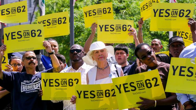 Supporters rally last summer in Los Angeles for Proposition 62, an unsuccessful 2016 ballot measure to eliminate California's death penalty. (Irfan Khan/Los Angeles Times)