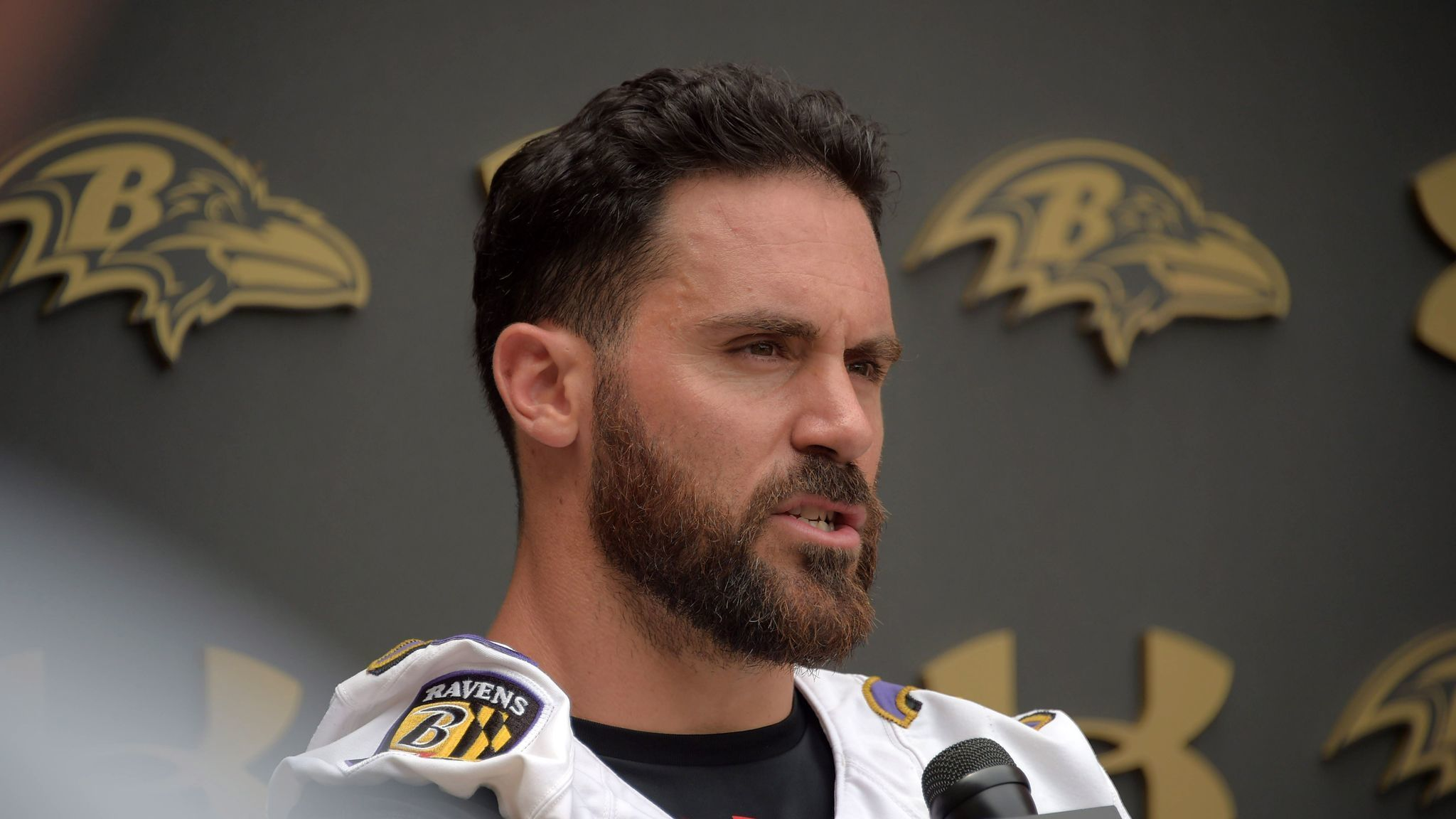 Ravens safety Eric Weddle thumbs nose at age but acknowledges he