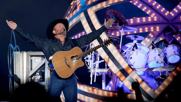 Garth Brooks, shown playing the Forum in July, will be the Stagecoach 2018 headliner. (Luis Sinco / Los Angeles Times)