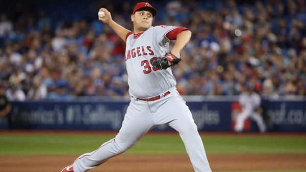 Angels make one move at deadline, trading Hernandez to Arizona