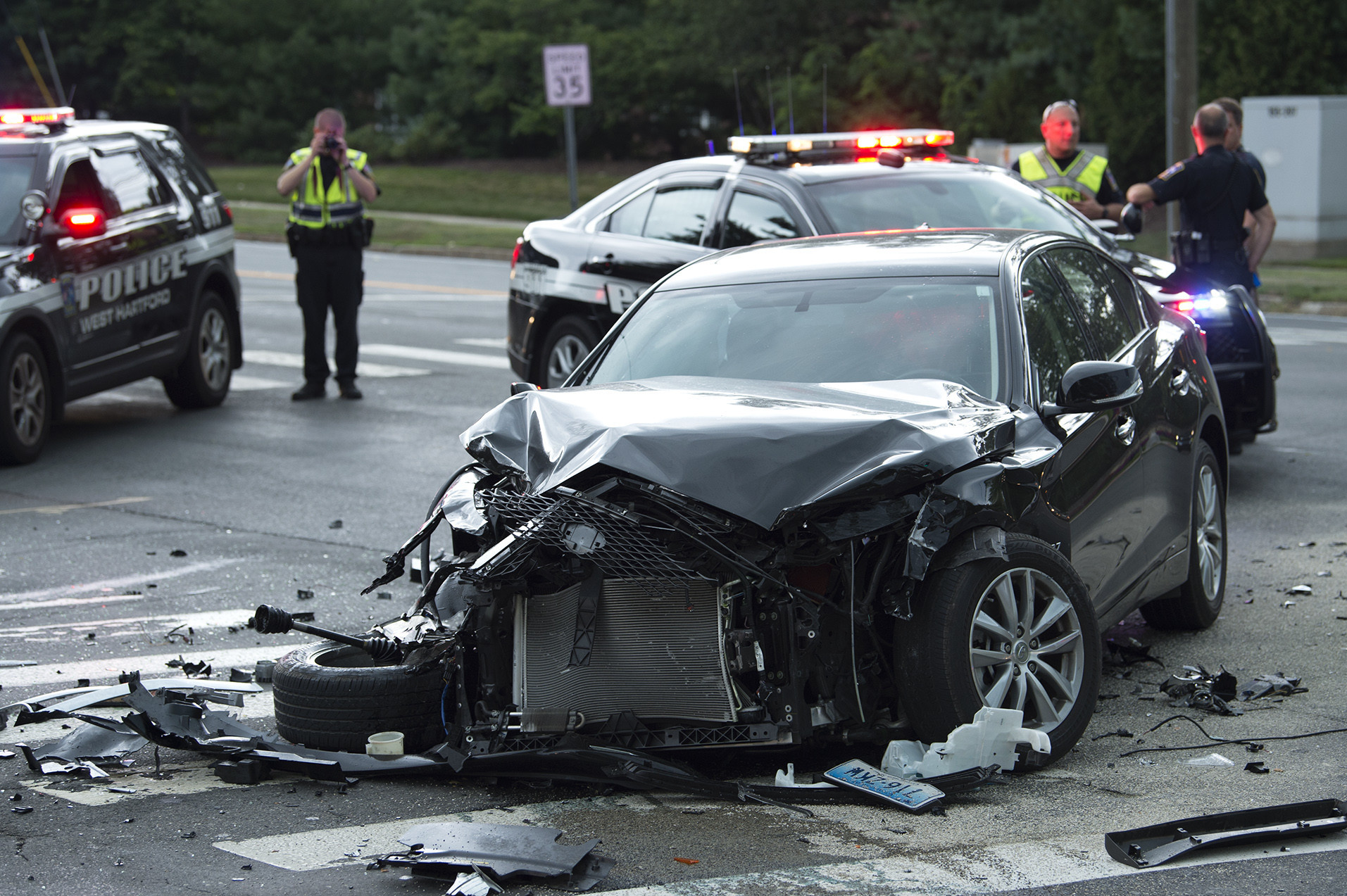 Police Investigating Six Car Crash In West Hartford Ct Now
