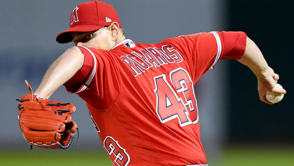 Garrett Richards throws 20 pitches, hopes to return this season