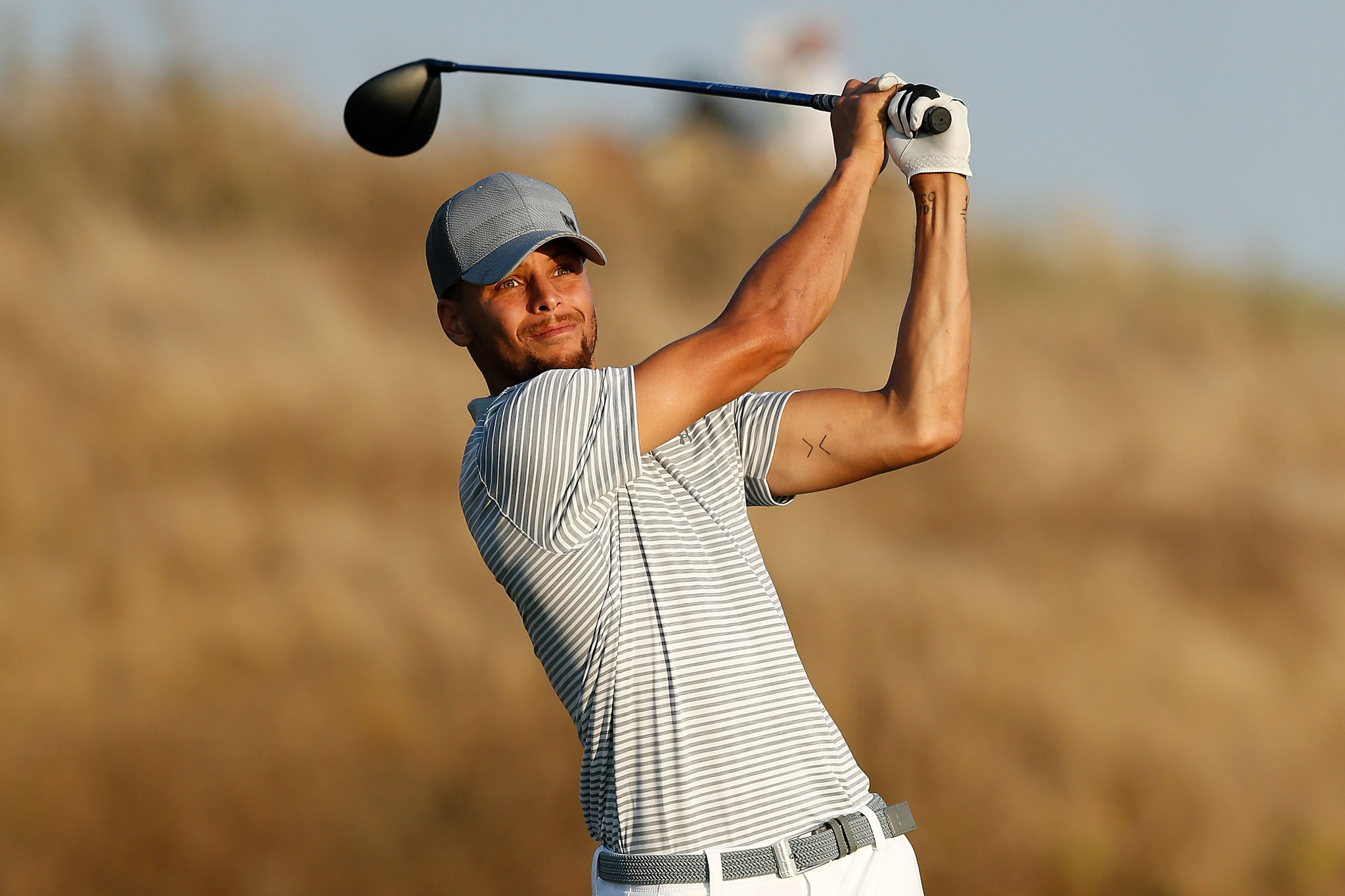 f6355b232640 Stephen Curry misses cut but earns admiration in pro golf debut ...