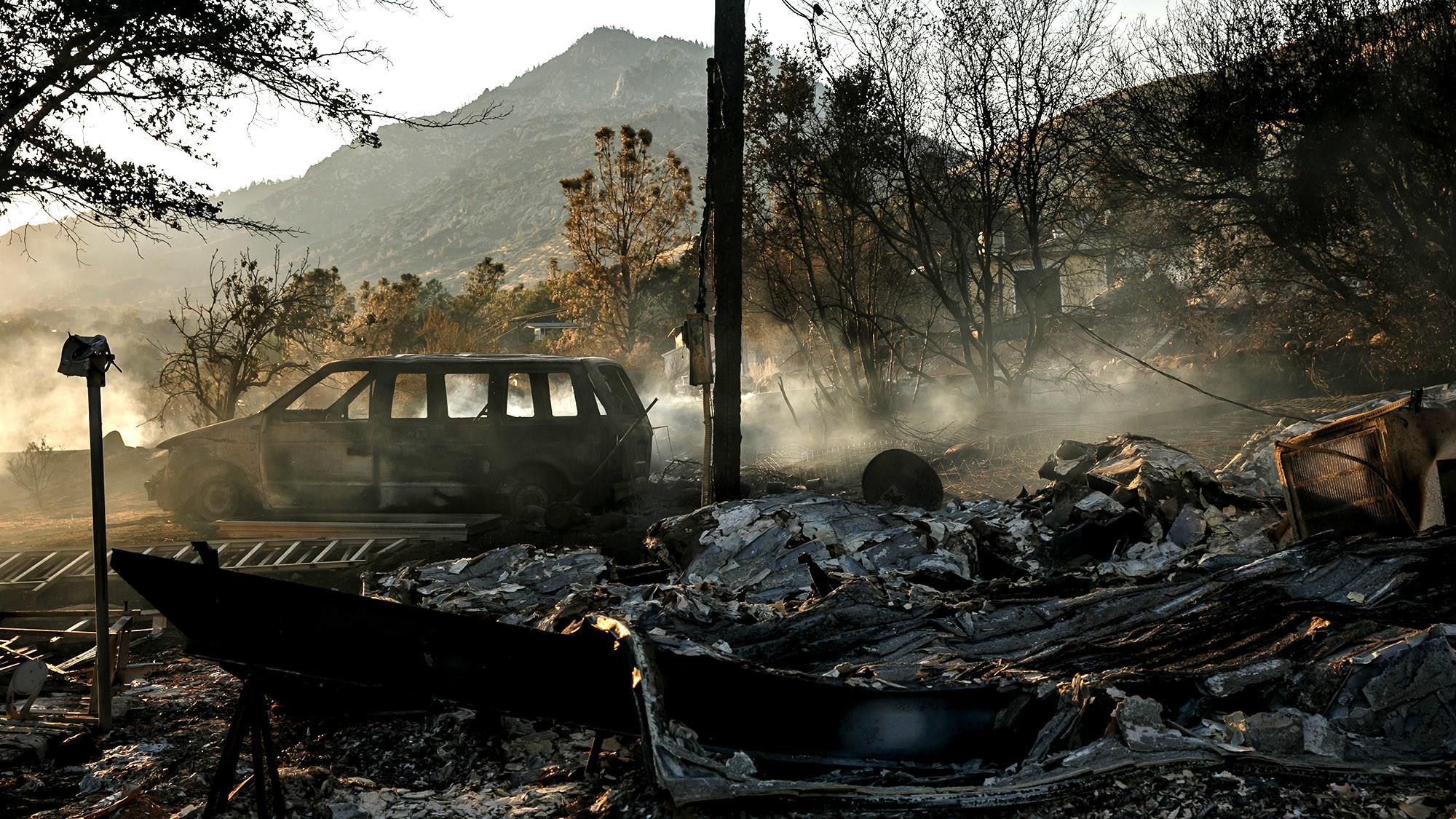 Brush fire near Lake Isabella prompts mandatory ...
