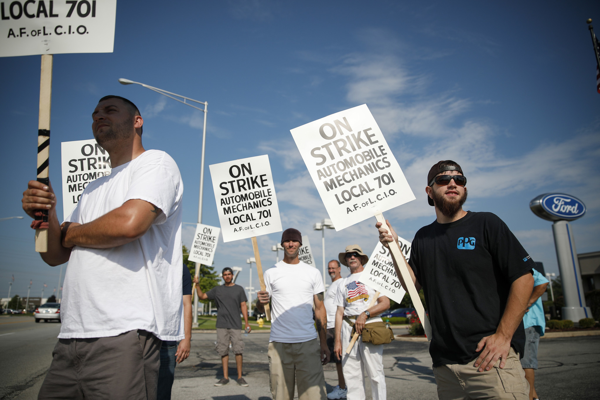 Striking mechanics return to bargaining table with Chicago area