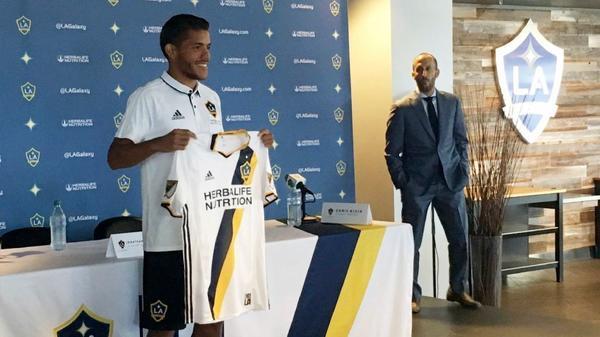 Galaxy's Jonathan dos Santos may get starting nod in his home debut