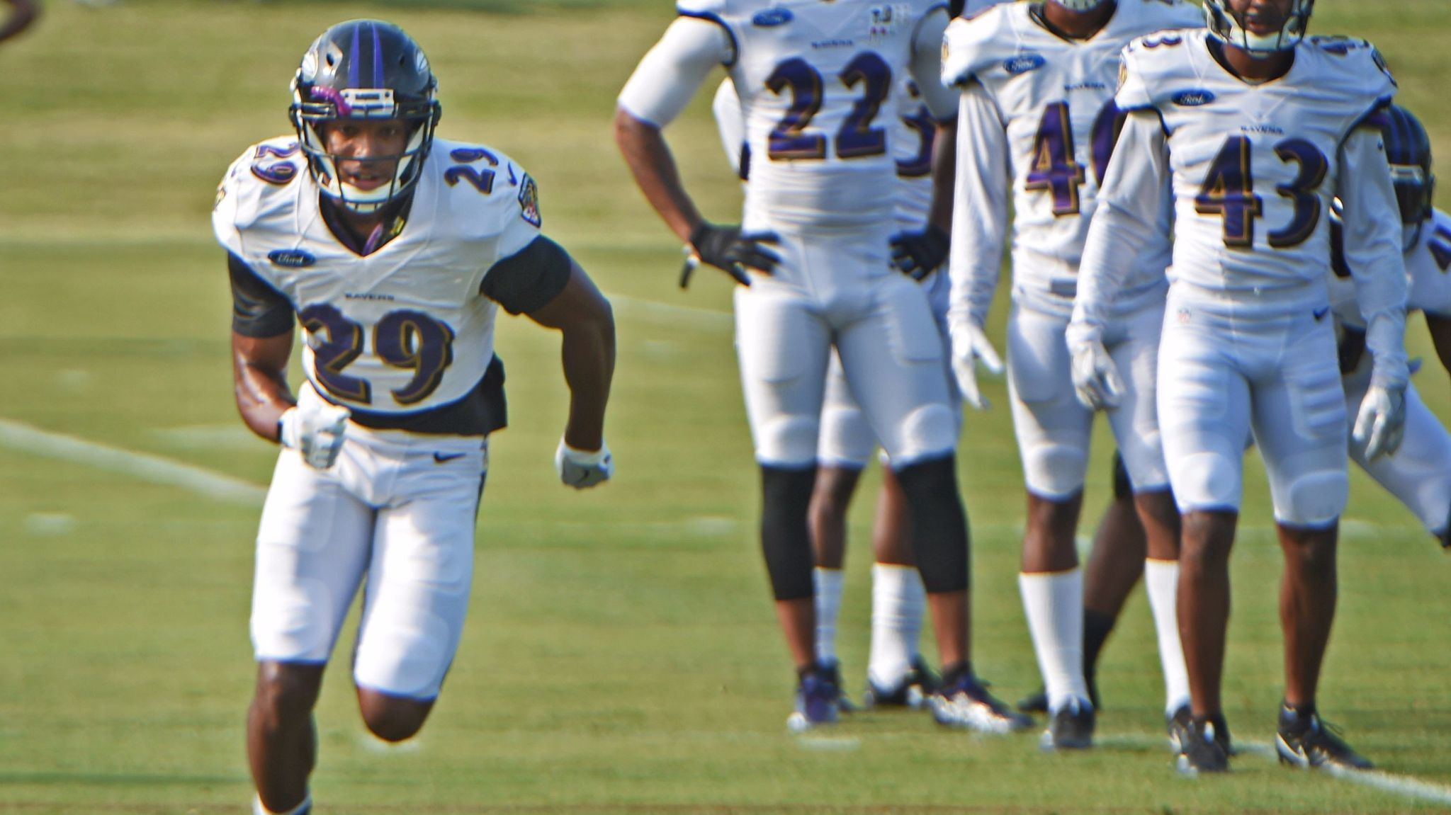 Bs-sp-rookie-marlon-humphrey-returns-to-ravens-practice-20170812