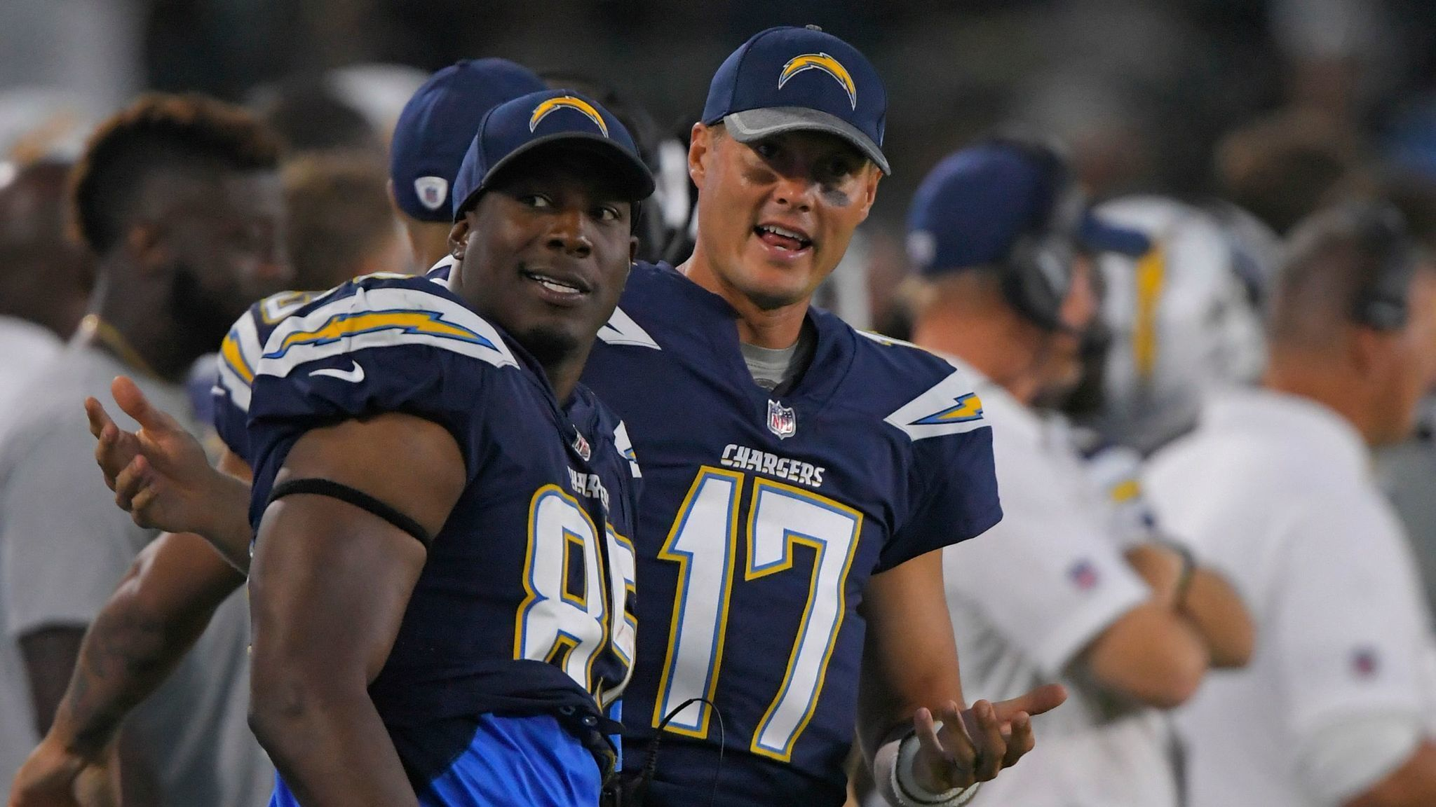 Sd-sp-chargers-starters-outplay-seahawks-behind-rivers-to-gates-20170813
