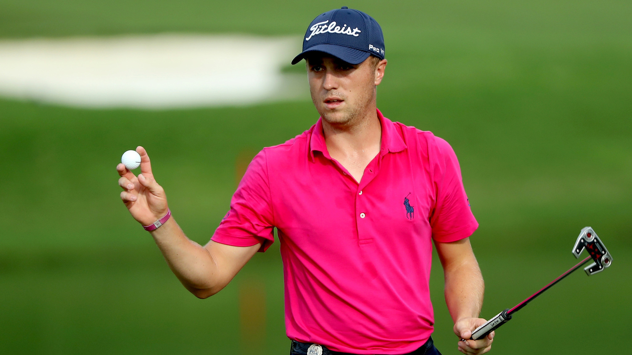 justin thomas wins his first major by claiming victory at