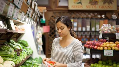 9 ways to save on organic groceries