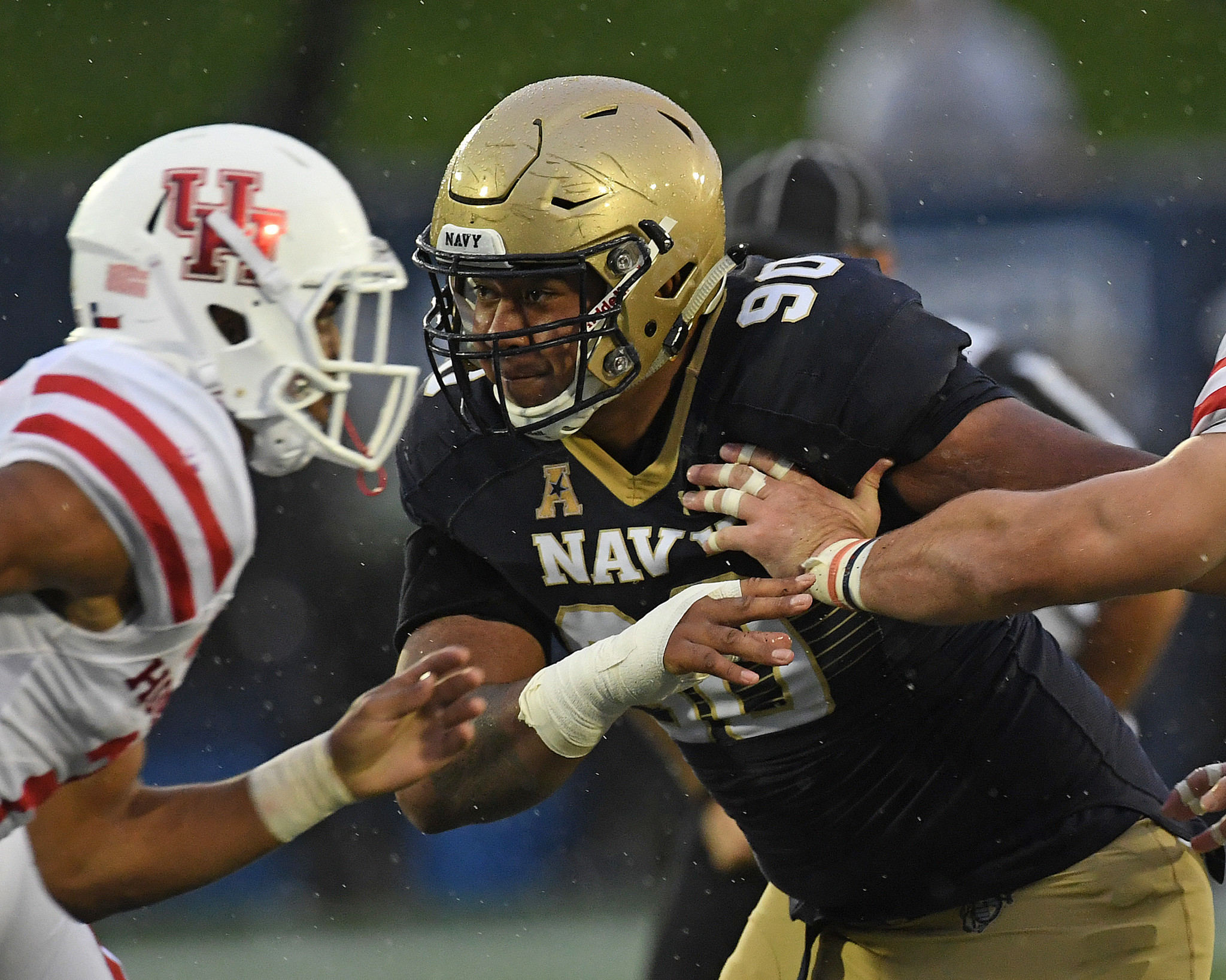 Ph-ac-cs-navy-defensive-line-0816-20170815