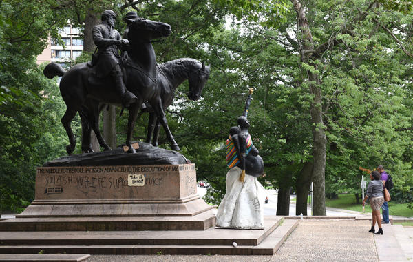 Baltimores Confederate Monuments Taken Down Overnight